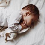 Melatonina para bebés e crianças dormirem mais e melhor: sim ou não?