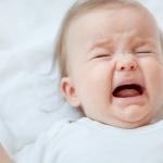 Porque é que o bebé não dorme sempre que está cansado?